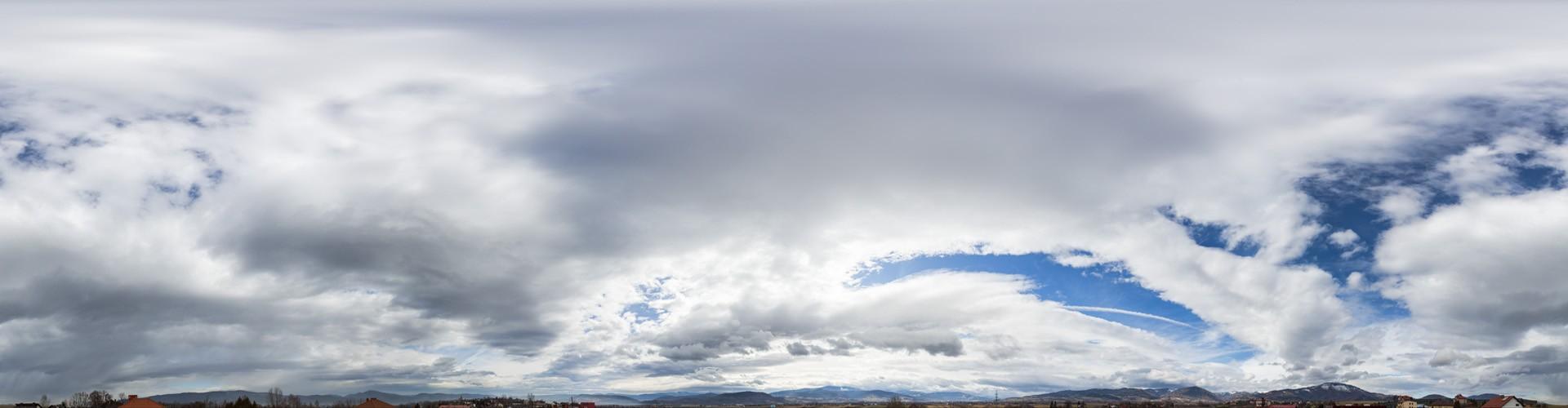 Cloudy Mountains 8734 (30k)